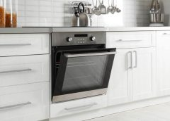 Choose an electric or gas oven